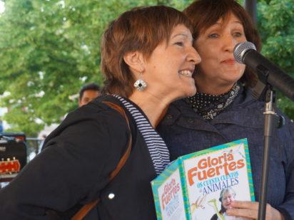 Poetas en mayo llenó de versos la plaza de Oyón