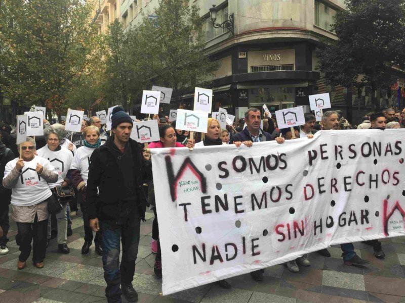 Miles de personas sin hogar reivindican derechos y dignidad en las calles de toda España