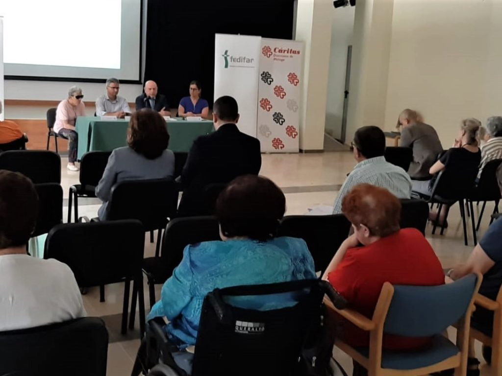 Compromiso solidario para mejorar las condiciones de vida de los mayores dependientes con escasos recursos.