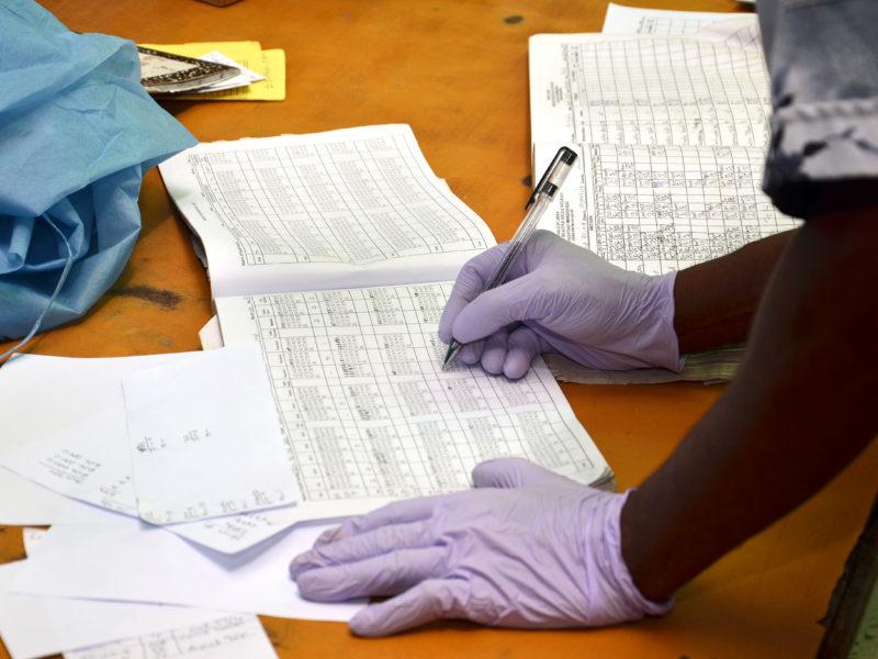 Emergencia ébola: llegar a 320.000 personas es el objetivo de Cáritas R. D. Congo.