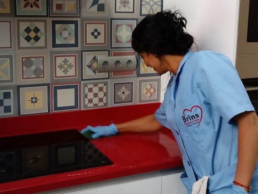Día de las Trabajadoras de Hogar: Urge garantizar su protección al desempleo ante el coronavirus.
