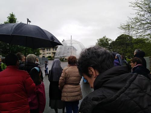 paseo con lluvia